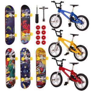 8pcs Mini Finger Fahrrad Skateboards Finger Bike Roller Spielzeug Set