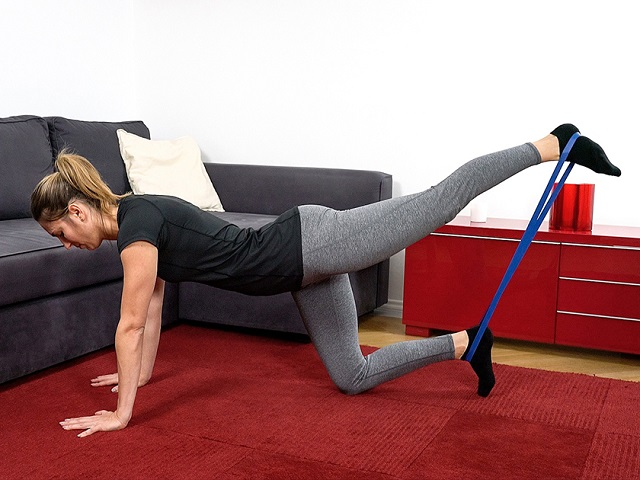 Widerstandsbänder Übungen: Ganzkörpertraining mit Fitnessbändern
